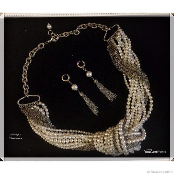 Жемчужное ожерелье с узлом