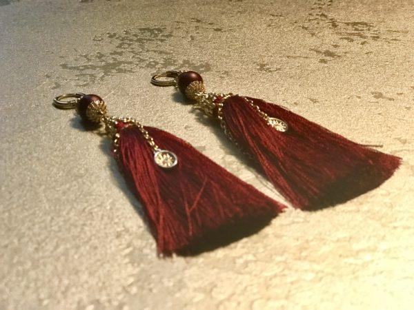Серьги кисти с подвесками из камней красные