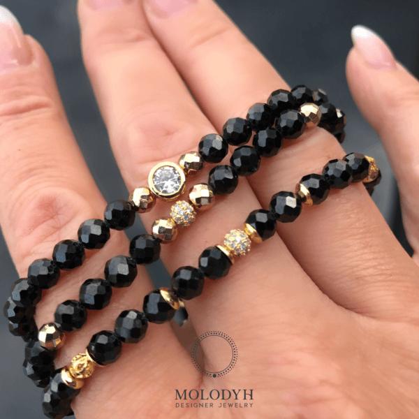 Комплект стильных браслетов