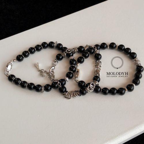 Комплект женских браслетов из камней