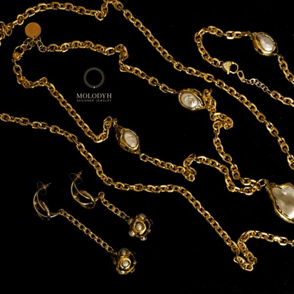 Комплект на цепях с барочными жемчужинами