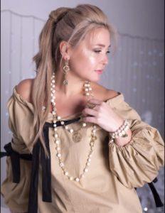 Жемчужные бусы в стиле Шанель купить в интернете фото цена
