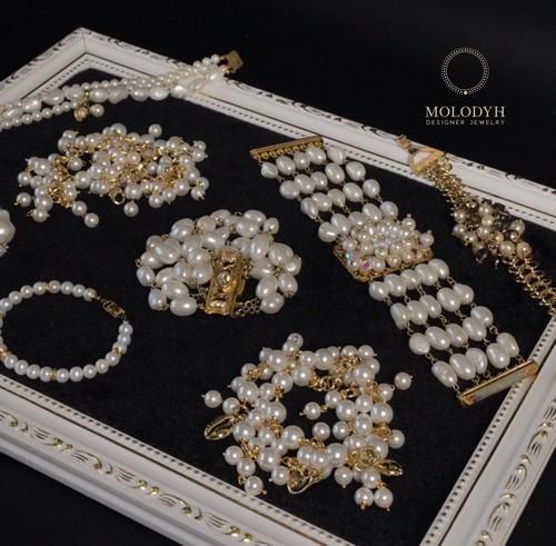 браслеты из жемчуга женская бижутерия белый черный браслет на резинке фото картинки