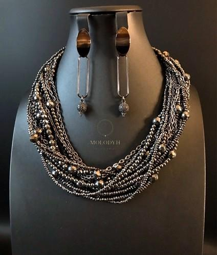 Ожерелье из гематита